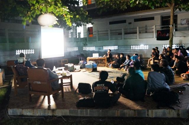 Suasana pemutaran film di kampus UPN Babarsari