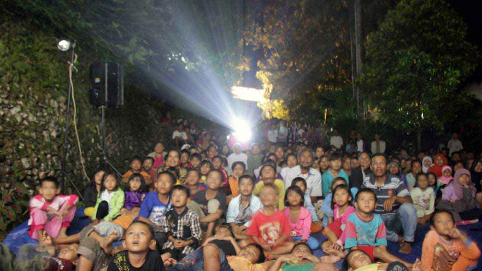 The open-air screening in Purbalingga Film Festival, one of the most consistent grassroot movement in Indonesia cinema in recent years.