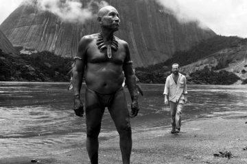 Karamakate dan Pengembara Berkulit Putih dalam film Embrace of the Serpent (Ciro Guerra, Kolombia)