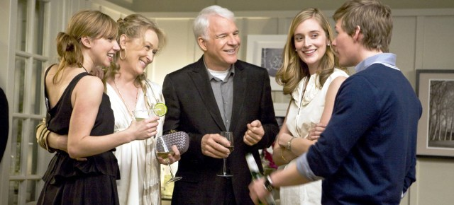 (L to R) Gabby (ZOE KAZAN), Jane (MERYL STREEP), Adam (STEVE MARTIN), Lauren (CAITLIN FITZGERALD) and Luke (HUNTER PARRISH) in the new film from writer/director/producer Nancy Meyers, ?It?s Complicated?, a comedy about love, divorce and everything in between.