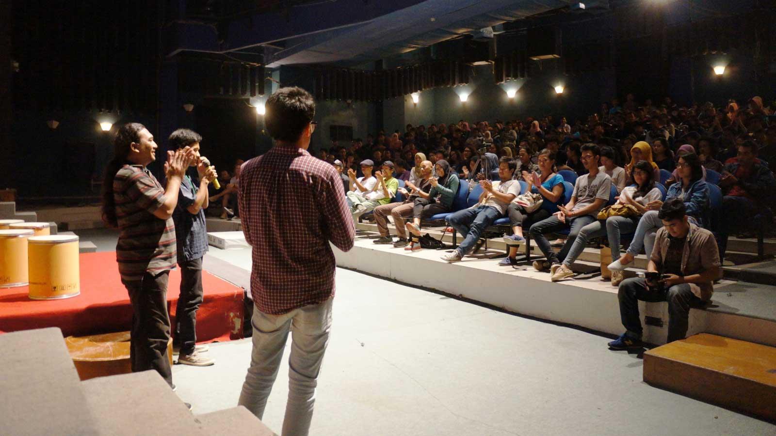 Suasana diskusi pasca pemutaran di Festival Film Solo 2014